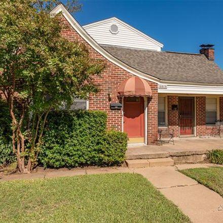 Rent this 2 bed duplex on 6015 Llano Avenue in Dallas, TX 75206
