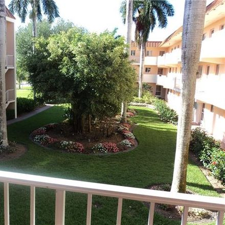 Rent this 2 bed condo on 1100 Gulf Shore Boulevard North in Naples, FL 34102