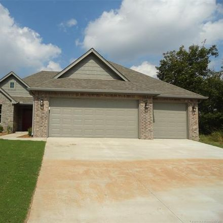 Rent this 3 bed house on 4010 South 14th Place in Broken Arrow, OK 74011