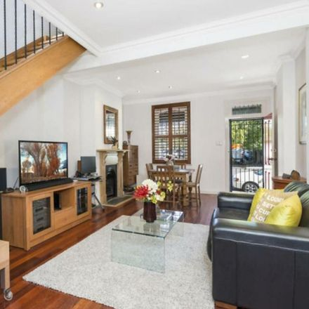 Rent this 2 bed house on 40 Mallett Street