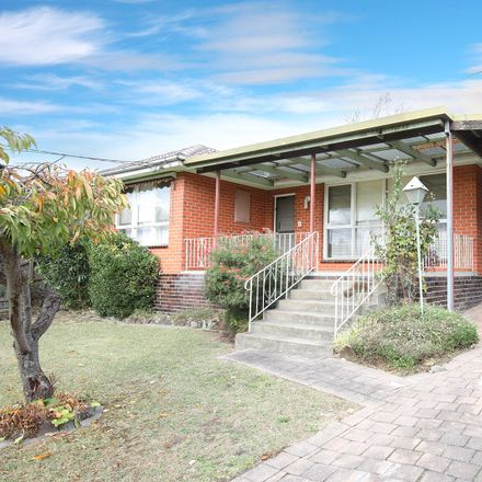 Rent this 3 bed house on 28 Bruce Street