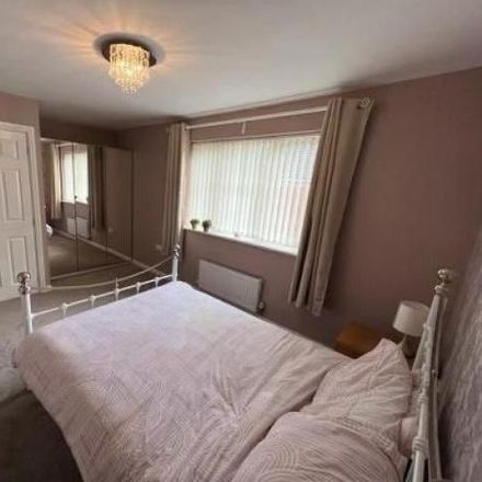 Rent this 3 bed house on Definitive Footpath LEEDS 173 in Churwell, LS11 0HU