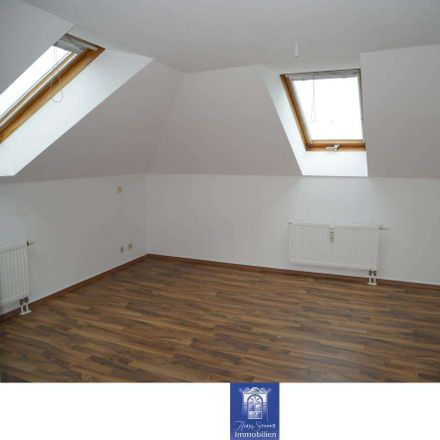Rent this 3 bed loft on 01877