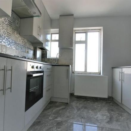 Rent this 3 bed apartment on Parsonage Lane in Clewer Village SL4 5EW, United Kingdom
