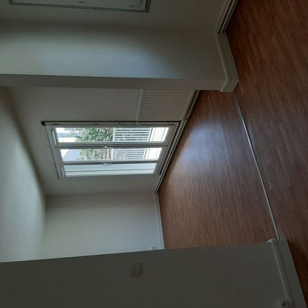 Rent this 3 bed apartment on 3a Rue Fernand Combette in 93100 Montreuil, France