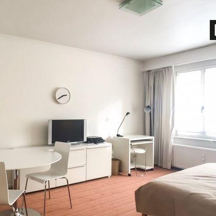 Rent this 0 bed apartment on Ecole secondaire in Avenue Henri Dietrich - Henri Dietrichlaan, 1040 Etterbeek