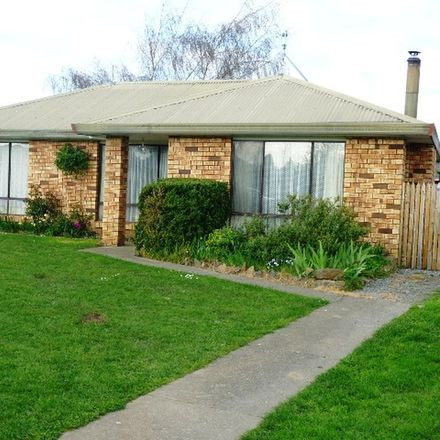 Rent this 3 bed house on 77 Pakenham Street