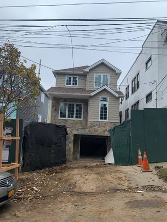 Rent this 3 bed house on 36 Scribner Avenue in New York, NY 10301