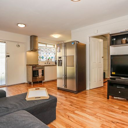 Rent this 1 bed apartment on 18/269 Main Street