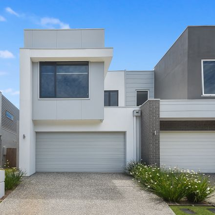 Rent this 3 bed house on 15 Darwin Circuit