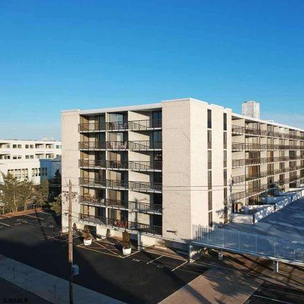 Rent this 3 bed apartment on 935 Ocean Avenue in Ocean City, NJ 08226
