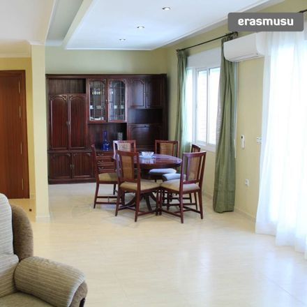 Rent this 3 bed apartment on Calle Virgen de Begoña in 41011, Sevilla