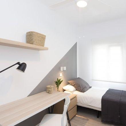 Rent this 2 bed apartment on Universidad Carlos III de Madrid in Calle Velarde, 28903 Getafe