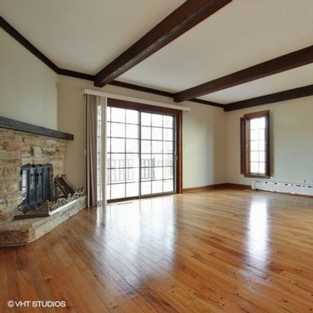 Rent this 3 bed house on 920 Juniper Road in Glenview, IL 60025