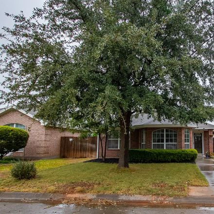 Rent this 3 bed apartment on 4114 Green Meadow Drive in San Angelo, TX 76904