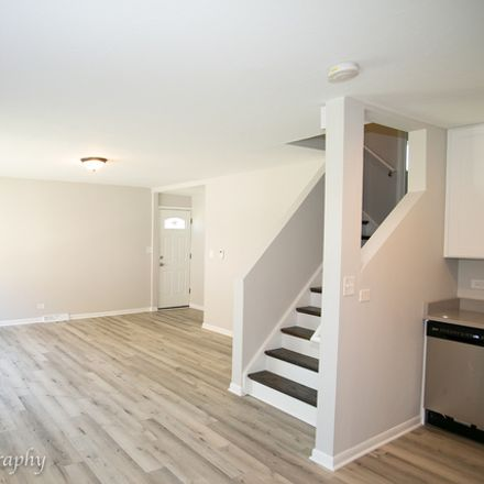 Rent this 3 bed townhouse on 1132 Hartrey Avenue in Evanston, IL 60202