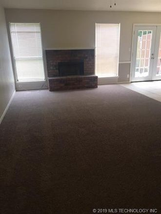 Rent this 3 bed duplex on 4901 South Hickory Avenue in Broken Arrow, OK 74011