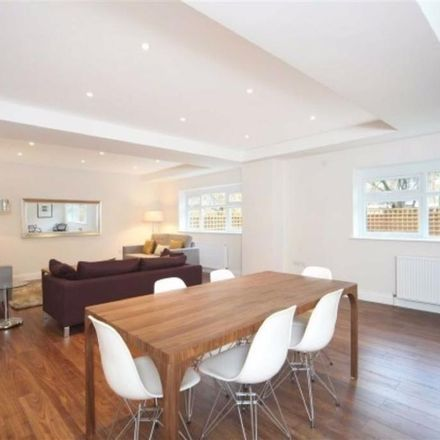 Rent this 4 bed house on Tesco in Belsize Road, London NW6 4RE