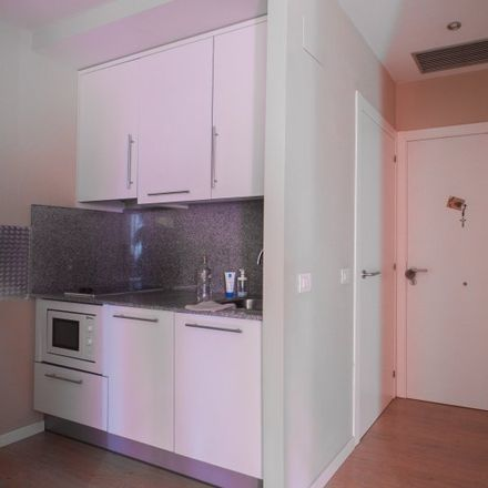 Rent this 1 bed apartment on Universidad Católica Valencia - Virgen de los Desamparados in Carrer d'Espartero, 46007 Valencia