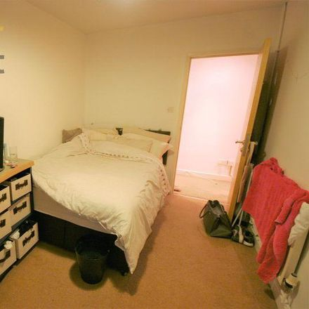 Rent this 3 bed apartment on Derwentwater Terrace in Leeds LS6 3JL, United Kingdom