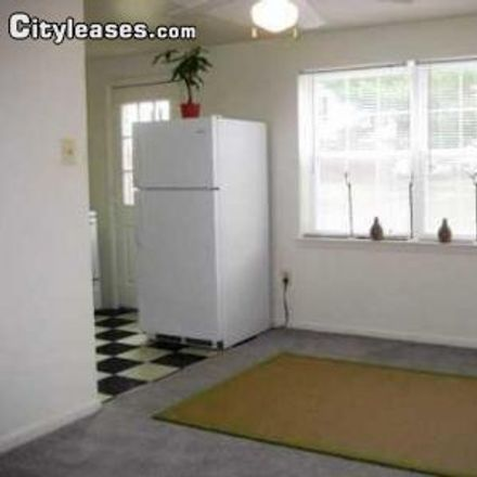 Rent this 3 bed townhouse on 1683 Essextowne Circle in Middle River, MD 21221
