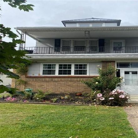 Rent this 3 bed apartment on 28 Knox Avenue in Buffalo, NY 14216