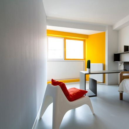 Rent this 19 bed room on Bld Géneral Jacques 191 in 1050 Ixelles, Belgium