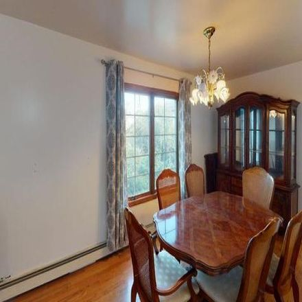 Rent this 3 bed house on 316 Saint Marys Avenue in New York, NY 10305