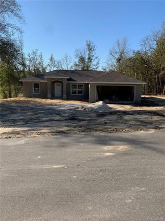 Rent this 3 bed house on W Magenta Dr in Dunnellon, FL