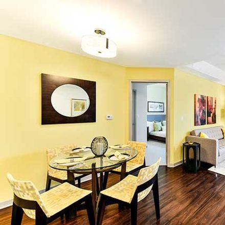 Rent this 2 bed apartment on 5464 Vineland Avenue in Los Angeles, CA 91601
