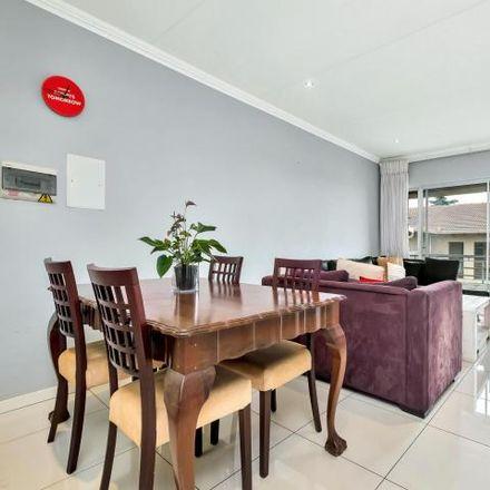 Rent this 2 bed apartment on 10th Street in Johannesburg Ward 88, Randburg