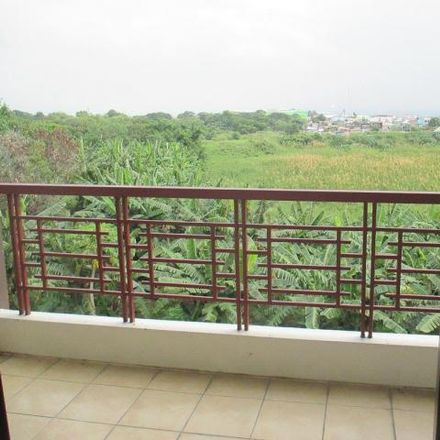 Rent this 3 bed condo on Rosewood in Parañaque, 1711