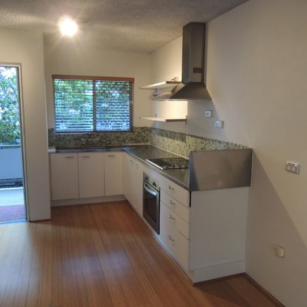 Rent this 2 bed apartment on 10/29-31 Old Burleigh Road