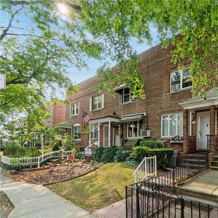 Rent this 2 bed house on Bay Pkwy in Brooklyn, NY