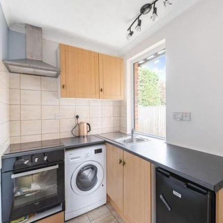 Rent this 3 bed house on Crown House in Whybrow Court, Thatcham RG19 3JH