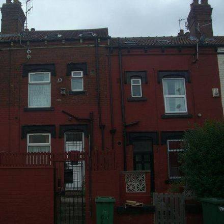 Rent this 3 bed house on Berkeley View in Leeds LS8 3RR, United Kingdom