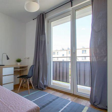 Rent this 4 bed room on Adolfa Pawińskiego 14 in 02-106 Warsaw, Poland