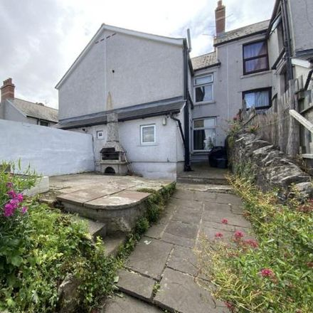 Rent this 3 bed house on Beatrice Road in Barry, CF63 3QF