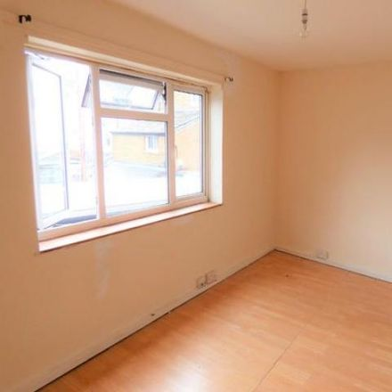 Rent this 1 bed apartment on Café Lusitano in Bayford Road, Arun BN17 5HL