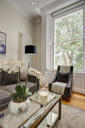 Rent this 1 bed apartment on Kensington Gardens Square in London W2 4BH, United Kingdom