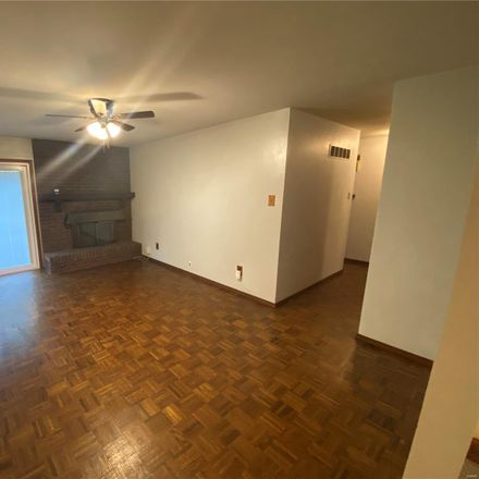 Rent this 3 bed house on Hiddenbrook Dr in Florissant, MO