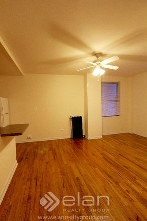 Rent this 1 bed apartment on W Argyle St in Chicago, IL