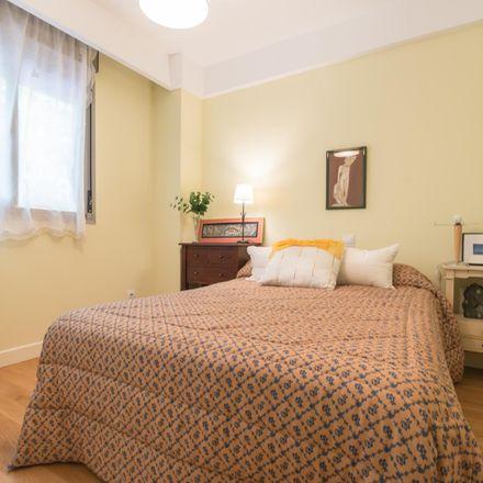 Rent this 4 bed room on Calle de Caleruega in 78, 28033 Madrid