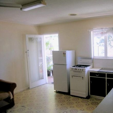 Rent this 1 bed apartment on 1/63 Boundary Street