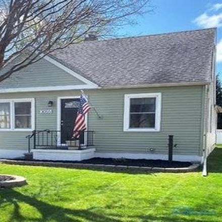 Rent this 3 bed house on 2923 Glencairn Avenue in Toledo, OH 43614