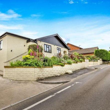 Rent this 5 bed house on Crown Road in Kenfig Hill, CF33 6EN