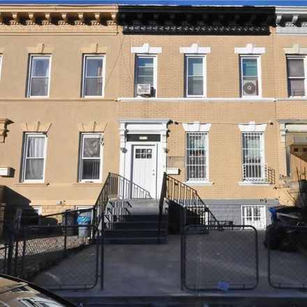 Rent this 2 bed townhouse on 2913 Newkirk Avenue in New York, NY 11226