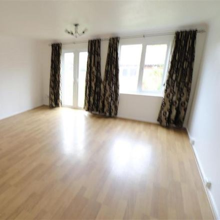 Rent this 3 bed house on Leygreen Close in Luton LU2 0SQ, United Kingdom