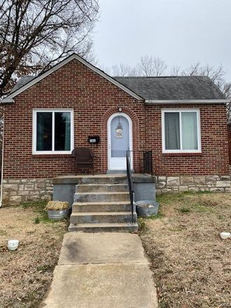 Rent this 2 bed house on Kingston Dr in Saint Louis, MO