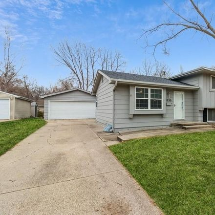 Rent this 4 bed house on 3325 Brookview Drive in West Des Moines, IA 50265